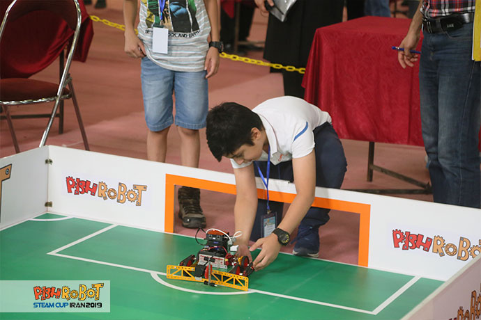 EMD22 giant football robot steamcup 2019